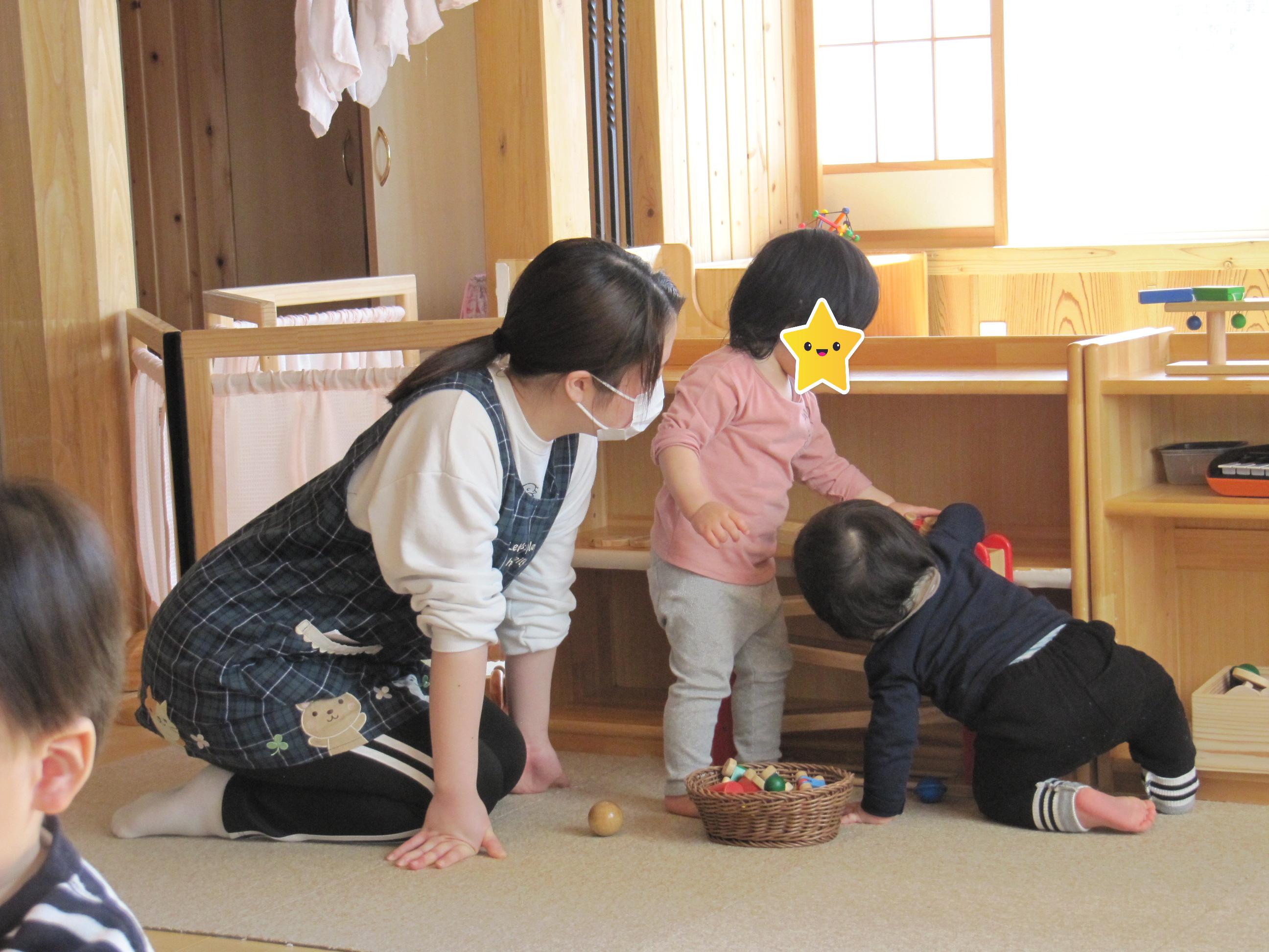 屯田園 どんぐり組さん、くり組さんも木のおもちゃ大好き😊