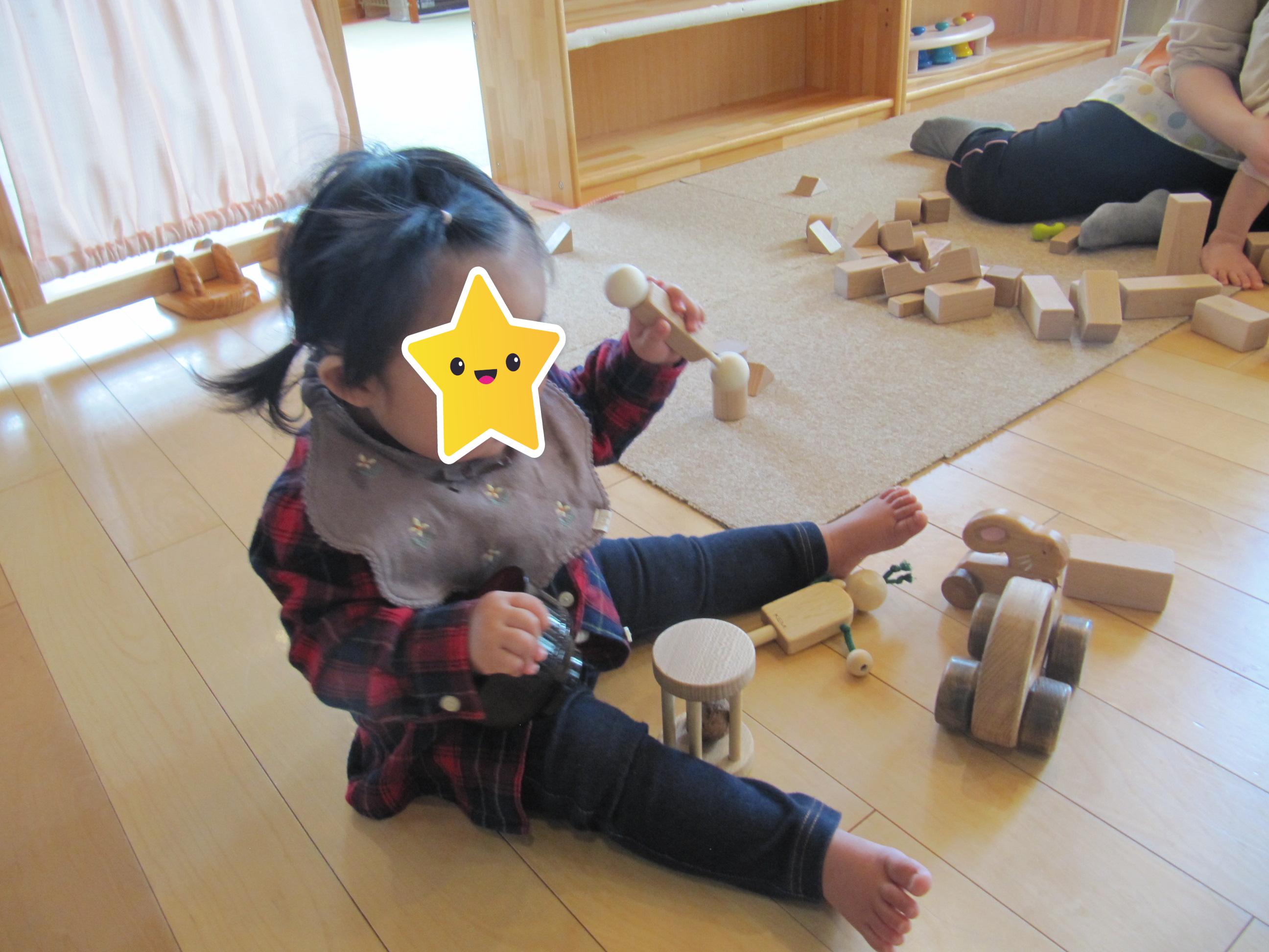 屯田園 どんぐり組さん新しい木のおもちゃにご機嫌😊
