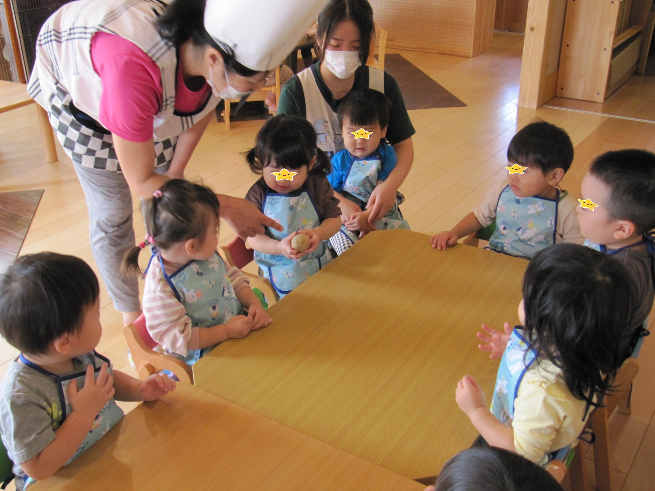 屯田園 どんぐり組(0歳児クラス)😊くり組(1歳児クラス)😊 9月じゃがいもクッキング!